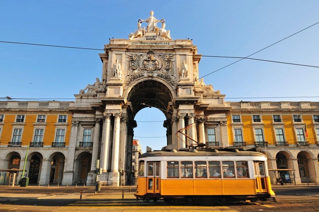 Clique na foto para buscar voos para Lisboa!