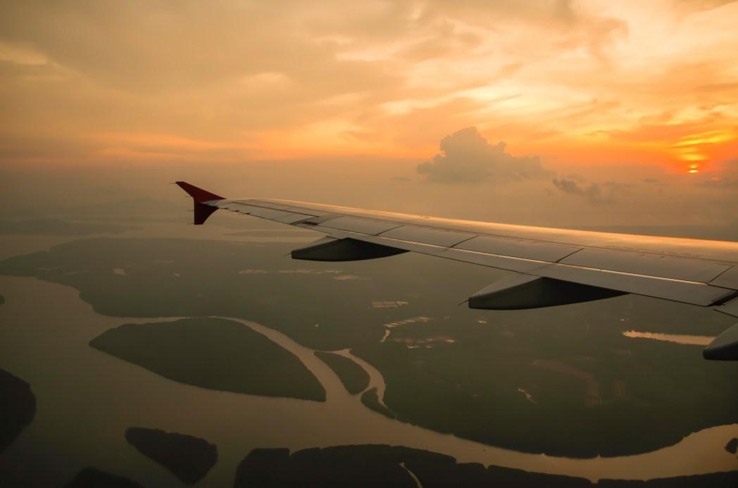 Saiba como planejar a primeira viagem internacional, clicando na foto!