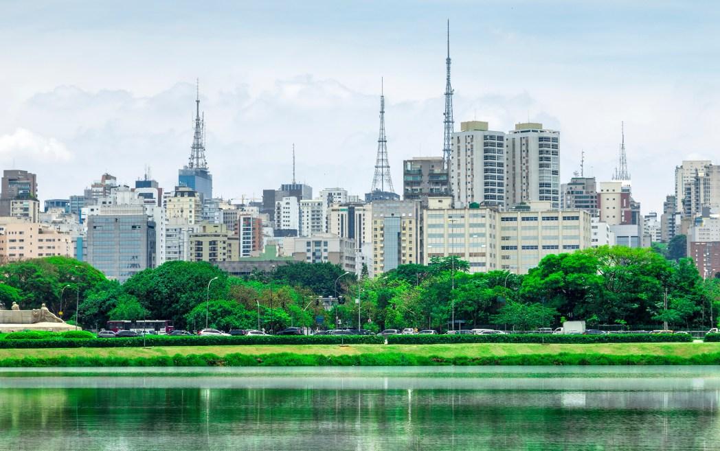 339747129 10 destinos para fazer compras no Brasil e no exterior | Skyscanner ...