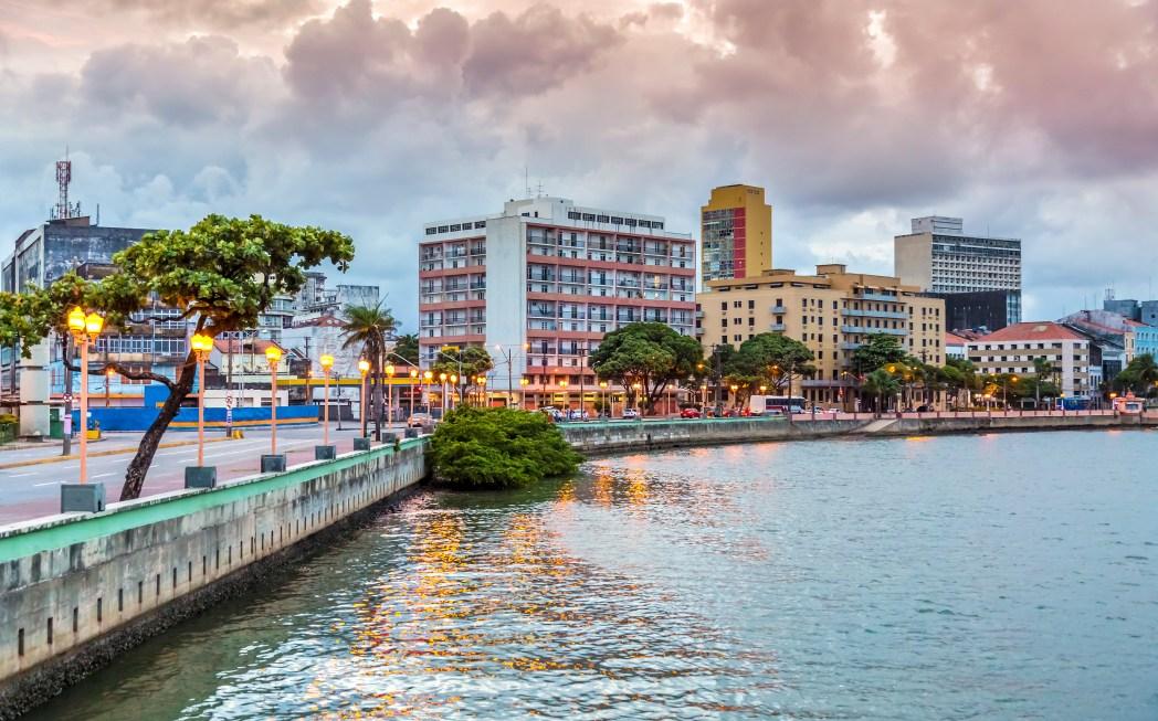 Busque um hotel em Recife. É só clicar na foto!
