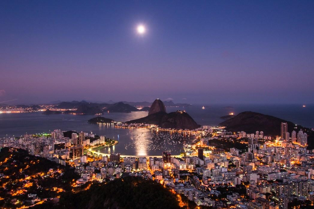 Clique na foto e encontre passagens aéreas baratas para o Rio de Janeiro!