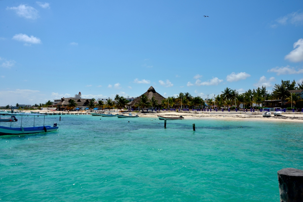 Busque um hotel em Puerto Morelos. É só clicar na foto!