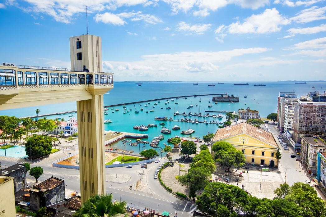 Encontre passagens aéreas para Salvador, clicando na foto!