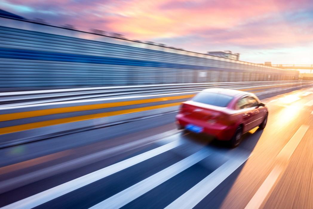Clique na foto e descubras dicas para dirigir no exterior!