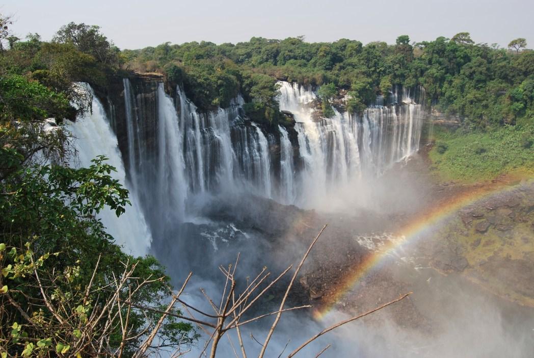 Descubra as melhores passagens para Luanda, clicando na foto!