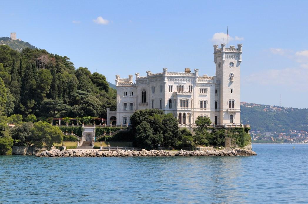 Clicando na foto, você confere oferta de hotéis em Trieste!