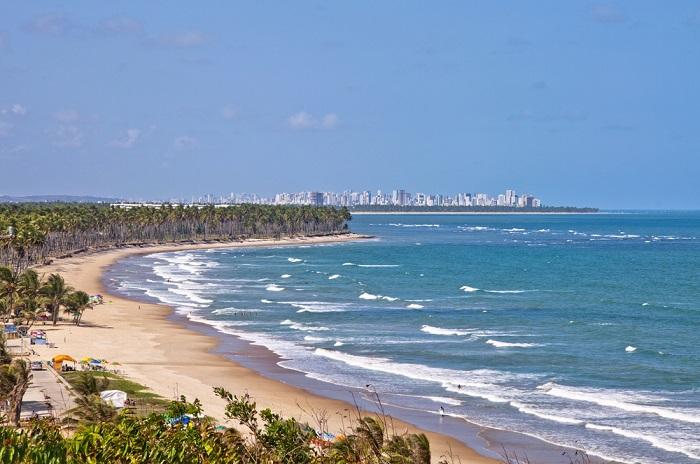 É só clicar na foto para encontrar hotéis na Praia do Paiva!