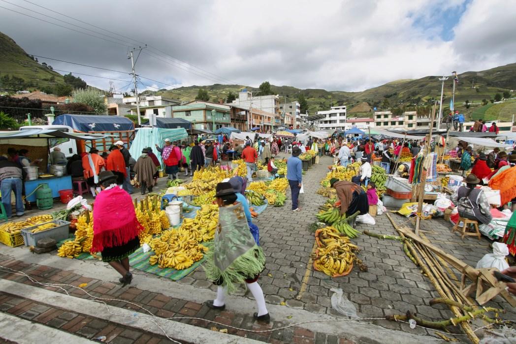 Encontre passagens aéreas para o Equador. É só clicar na foto!