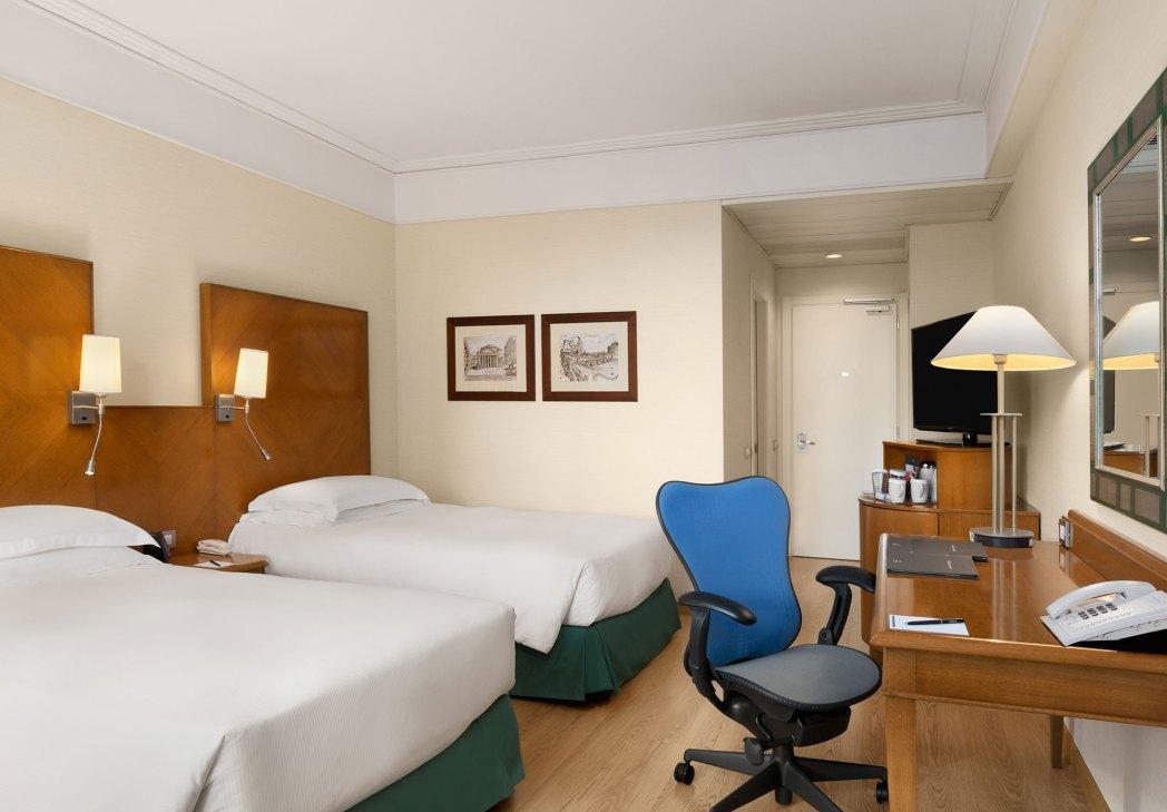 Clique na foto e faça a sua reserva no B&B Fiumicino Airport Resort!