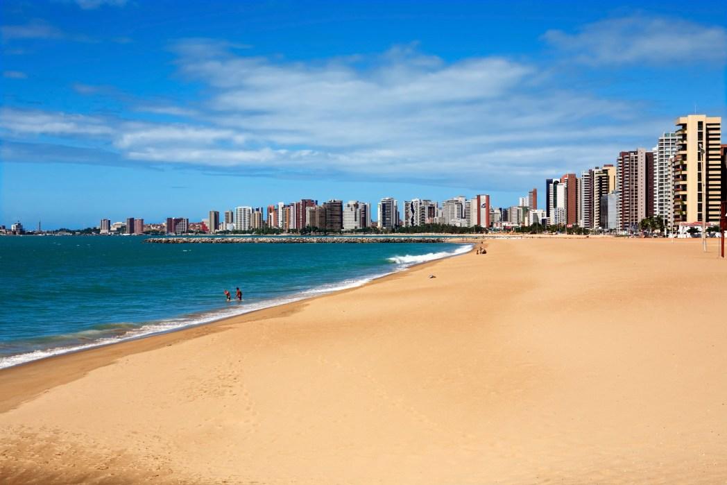 Busque hotéis em Fortaleza. É só clicar na foto!