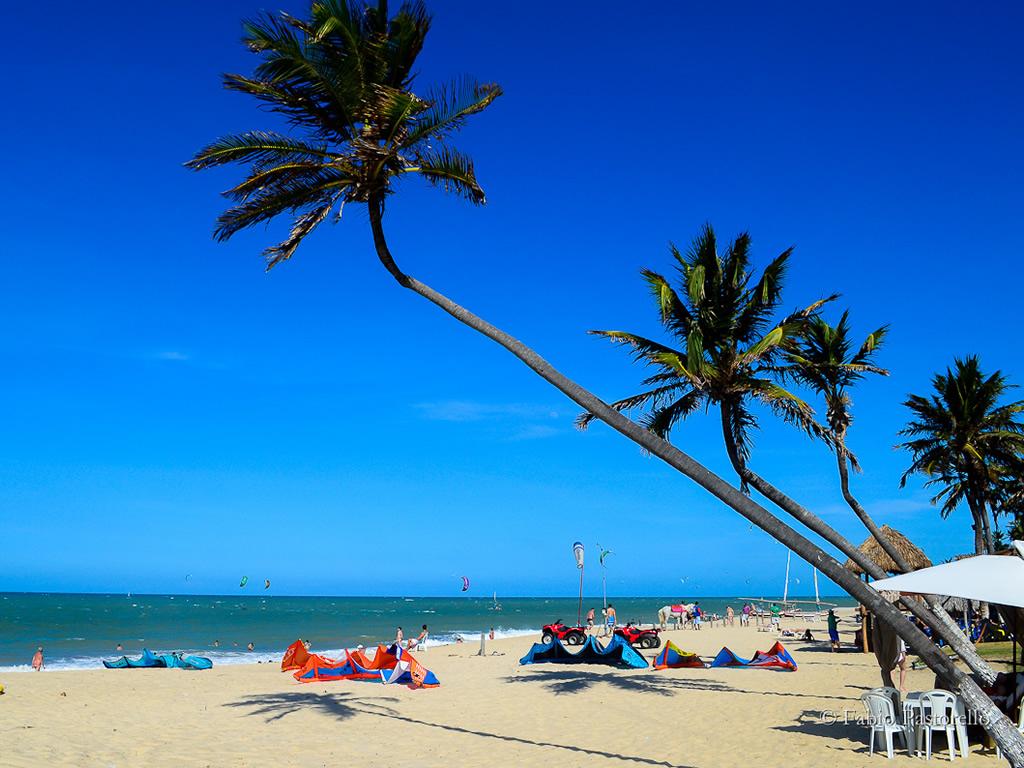 Busque um hotel em Cumbuco, clicando na foto!