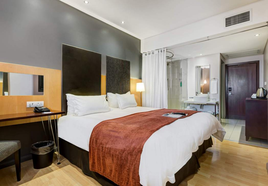 Clique na foto para reservar seu quarto no Protea Hotel by Marriott O R Tambo Airport!